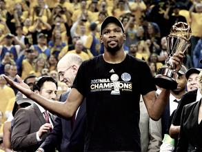 """Durant se """"sacrifica"""" por los Warriors: 53 millones por dos años"""