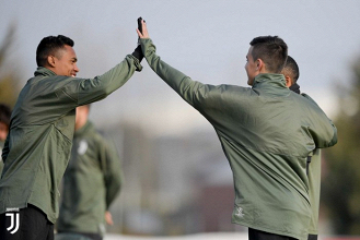 Juventus-Tottenham, è ora: abito di gàla per la Vecchia Signora