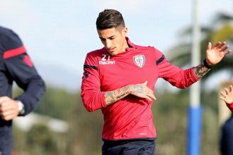 Cagliari: Diego Lopez prepara la sfida contro il Sassuolo, buone notizie sul fronte societario