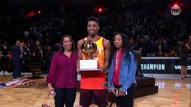 NBA - Mitchell è il re delle schiacciate, Booker da record nella gara da tre punti, Dinwiddie trionfa nello Skill Challenge
