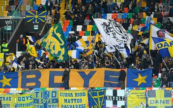 I tifosi del Parma. Fonte: https://twitter.com/1913parmacalcio