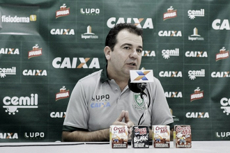 Enderson Moreira lamenta empate contra Goiás e alerta para sequência pela Série B