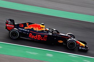 F1, Gp di Germania - Ricciardo sorprende tutti! Beffato Hamilton, 4° Vettel