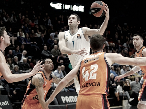 El Madrid cae en la Fonteta frente a un gran Valencia Basket