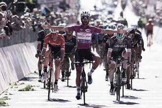 Giro d'Italia, poker di un fenomenale Gaviria a Tortona