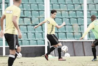 Figueirense recebe CRB em duelo crucial contra rebaixamento