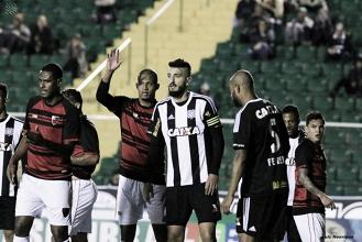 Atacante Robinho destaca empenho do Figueirense mesmo com empate em casa