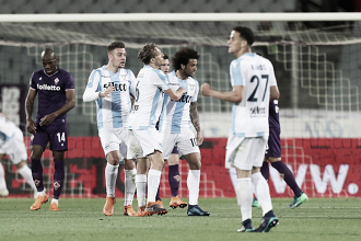 Veretout faz tripletta, mas Lazio vira contra Fiorentina em jogo de sete gols e duas expulsões
