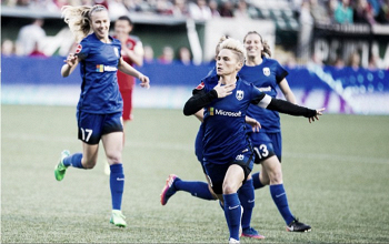 Jess Fishlock re-signs with Seattle Reign FC