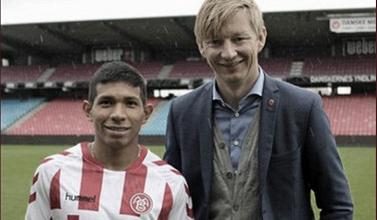 """Allan Gaarde: """"Edison Flores tiene la capacidad para jugar en cualquier grande de Europa"""""""