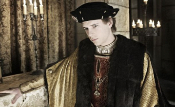 El rey extranjero: Crítica de 'Carlos, Rey Emperador' (1x01)