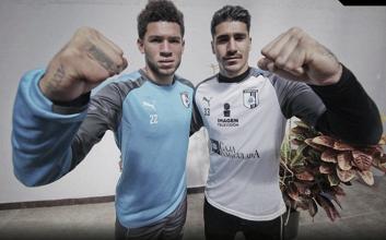 Brian Martínez y Gil Alcalá alzan la mano