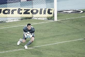 Gatito Fernandez interessa ao Napoli e pode deixar Botafogo