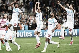 Evra marca, Marseille derrota Nice e mantém perseguição por vaga na Europa League