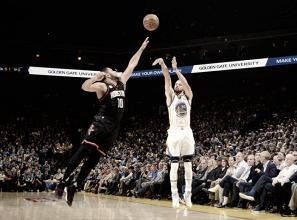 Splash Brothers decidem e Golden State Warriors vence Houston Rockets em casa