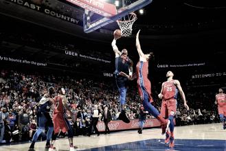 Resumen NBA: Triple prórroga en 'Philly', debut de Okafor y nueva victoria de los Bulls