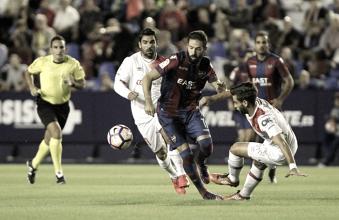 El Levante cae ante el Girona, que se pone a un solo punto