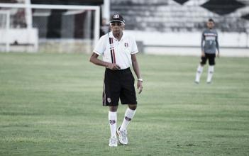 Para se afastar do Z-4, Givanildo Oliveira aposta em Santa Cruz com mais experiência
