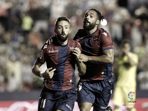 Un gran Levante vence al Villarreal, con polémica
