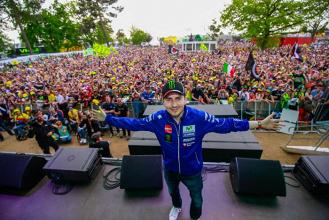Le Mans : Lorenzo s'impose devant la marée jaune