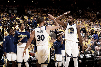 Steph Curry e Kevin Durant. Fonte: NBA/Twitter