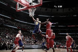 NBA, Knicks k.o. a Memphis. Splash Brothers padroni a Chicago