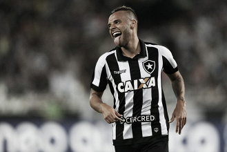 """Titular diante do Santos, Guilherme agradece a Jair Ventura: """"Feliz pela confiança"""""""