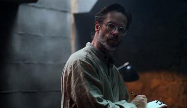"""Netflix   Guy Pearce é um misterioso professor em """"Os Inocentes"""""""