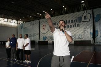 Greivis Vásquez trabaja con su fundación mientras se recupera