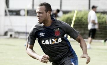 Luis Fabiano anuncia rescisão com Vasco