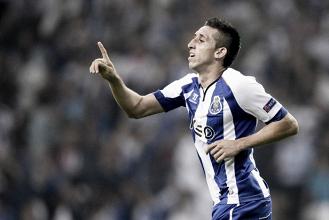 Napoli interested in move in Porto midfielder Hector Herrera