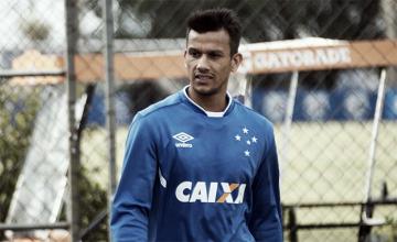 Henrique 'esquece' Copa do Brasil e garante Cruzeiro focado diante do Sport