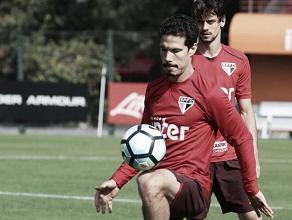 Hernanes explica passagem pela China e aprova ida de Lucas Leiva à Lazio