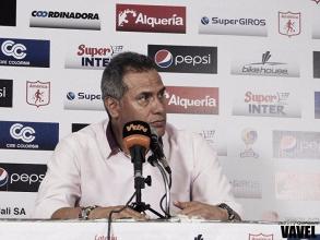 """Hernán Torres: """"Fue un juego típico de finales, donde ninguno quiere regalar nada"""""""
