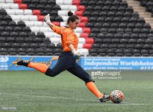 London Bees sign experienced goalkeeper Nicola Hobbs