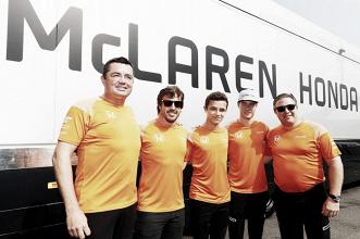 McLaren quiere a Alonso en 2018, y le quiere dar el mejor coche, según Brown