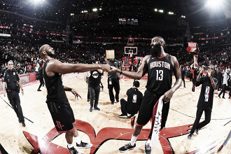 Chris Paul e James Harden. Fonte: Houston Rockets/Twitter