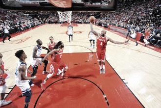 NBA, Houston riporta sulla terra i Timberwolves (116-98)