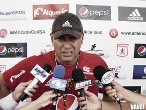 """Hernán Torres, sobre Adrián Ramos: """"El presidente está haciendo esfuerzos importantes, pero no depende de él"""""""