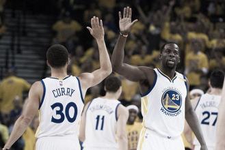 Warriors novamente dominam Jazz, vencem mais uma e ampliam placar na série