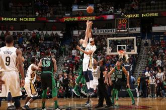 NBA - I Pelicans travolgono anche Boston