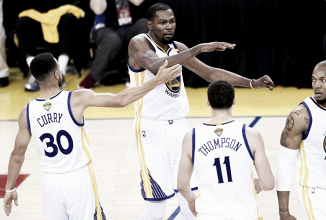 Golden State Warriors take 2-0 Finals lead againstCleveland Cavaliers