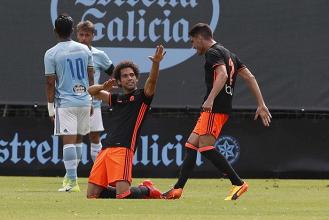 El Valencia Mestalla pone pie y medio en la siguiente eliminatoria
