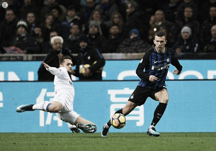 El Inter no pierde la estela del líder