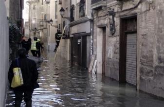 La continua crecida del Ebro preocupa en Aragón