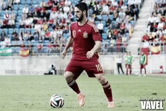 España certifica su clasificación para el Mundial en 45 minutos mágicos