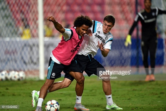 Izzy Brown joins Brighton on loan