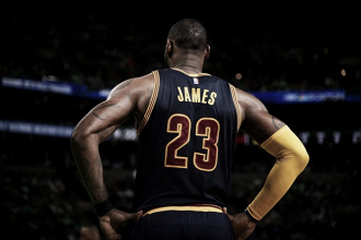 LeBron James becomes all-time playoff scoring leader