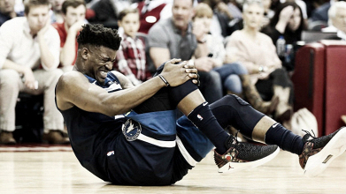 Jimmy Butler se retiró lesionado en el partido ante Houston