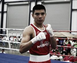 Joselito Velázquez se prepara para su debut profesional